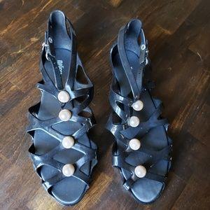 Karl Lagerfeld Black w/Pearls Sandal Size 7